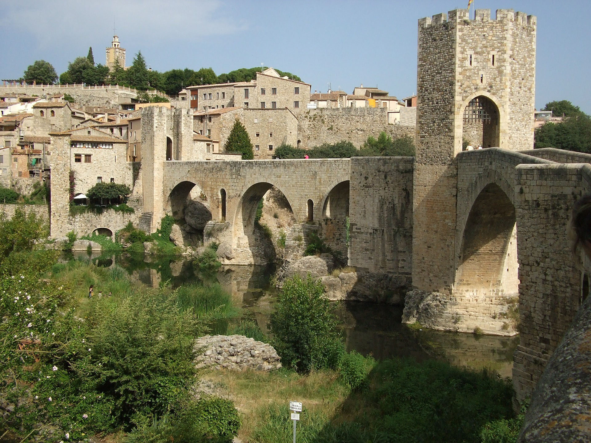 DAY TRIP TO GIRONA-BESALU. THE MEDIEVAL CATALONIA
